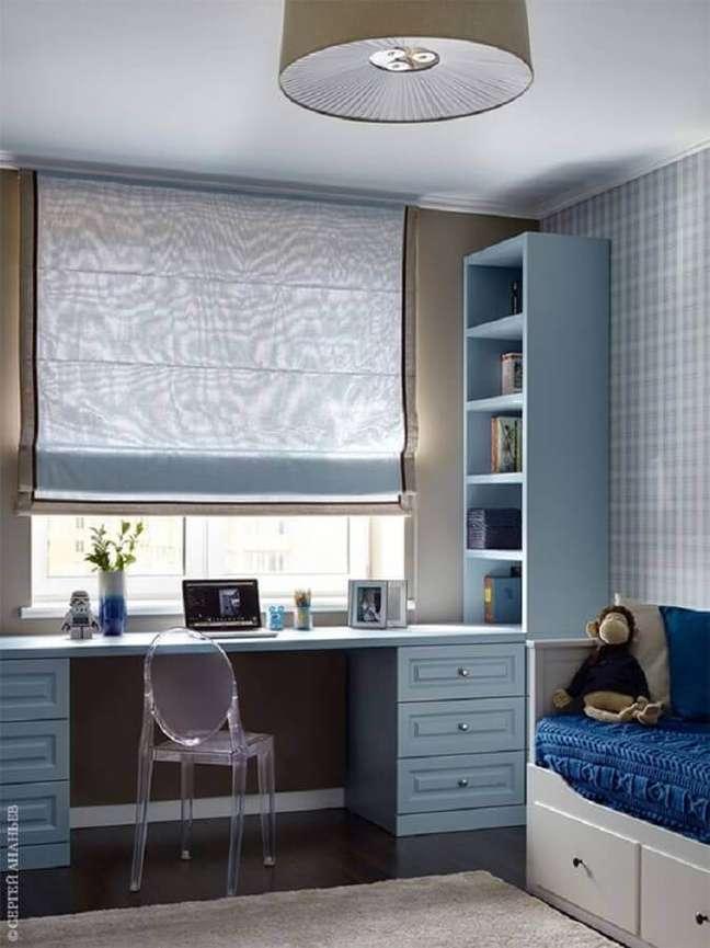21. Decoração com papel de parede xadrez para quarto planejado com escritório – Foto: AD Russia