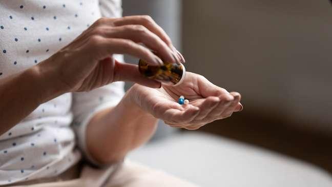Uso frequente de analgésicos provoca riscos à saúde; entenda
