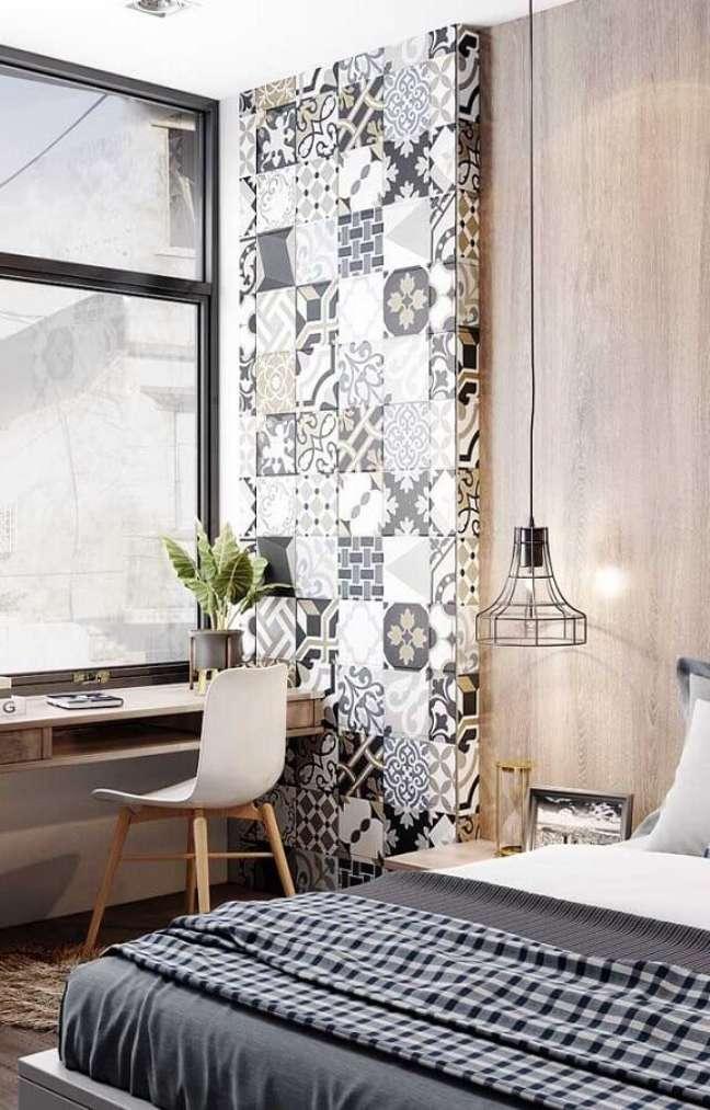 58. Revestimento estampado para decoração de quarto com escritório – Foto: Pinterest