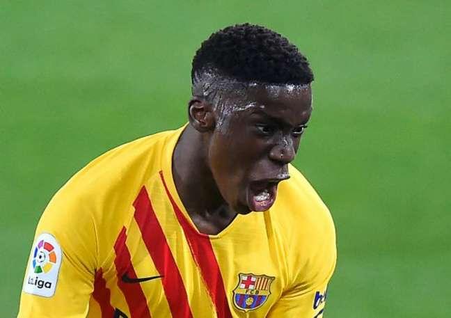 Moriba entra na mira de Manchester City e Chelsea após não renovar com o Barcelona (AFP OR LICENSORS)