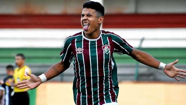 Matheus Martins renovou mais uma vez o contrato com o Fluminense (Foto: Mailson Santana/Fluminense FC)