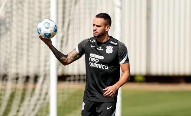 Renato Augusto fez trabalhos com a fisioterapia no treino desta sexta-feira (Foto: Rodrigo Coca/Ag. Corinthians)