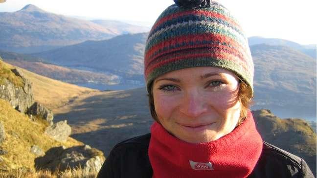 Lucy diz que antes da covid ela escalou montanhas, mas depois pequenas subidas a deixam sem fôlego