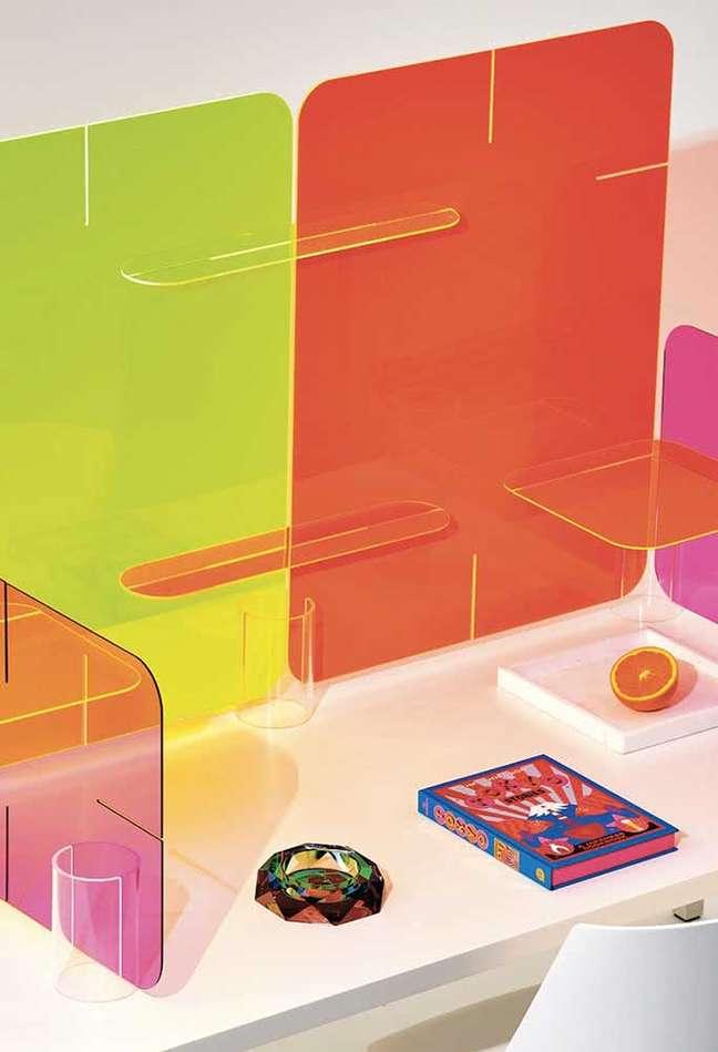 34. Divisórias coloridas para mesa de escritório – Foto Pinterest