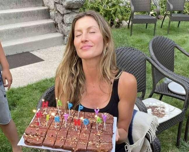 A modelo Gisele Bündchen comemora aniversário com familiares