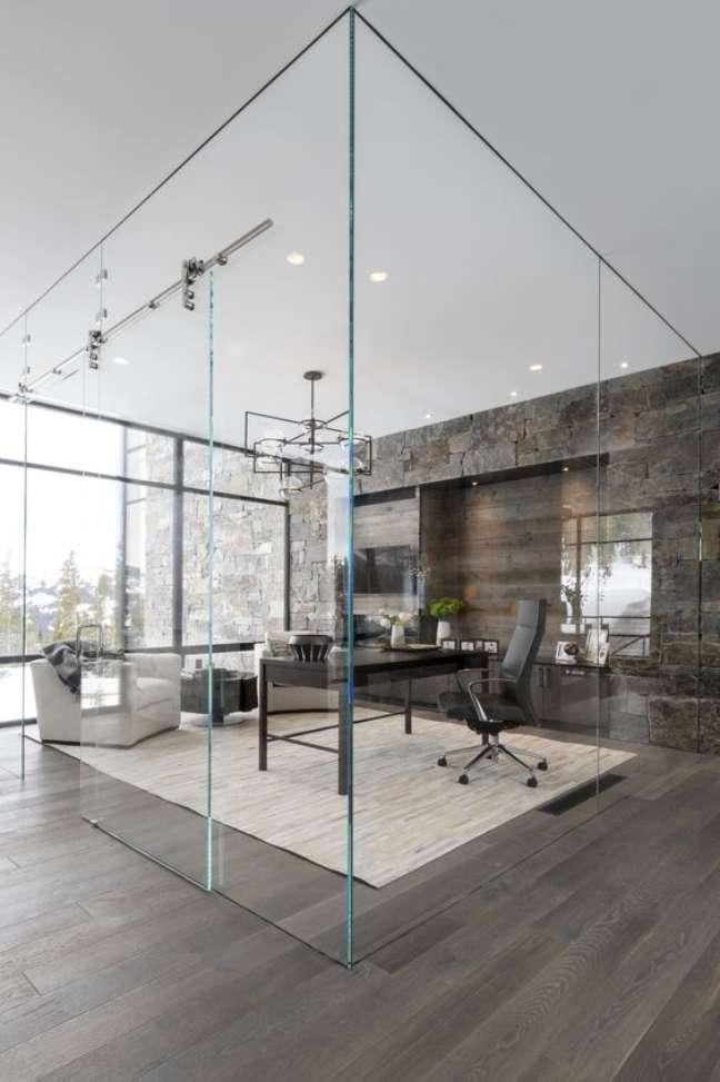 1. Home office com divisórias para escritório de vidro – Foto Alderandtweed