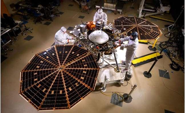 A sonda InSight foi lançada em 2018, pousando em Marte em novembro do mesmo ano