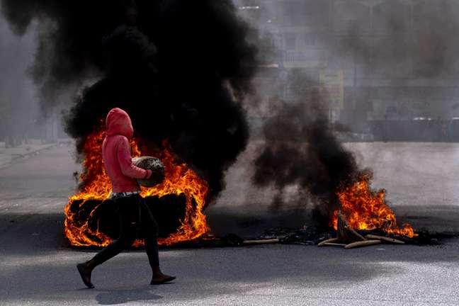 Protestos tomam as ruas do Haiti desde o assassinato de seu presidente