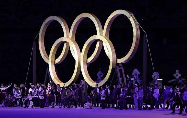Anéis Olímpicos durante cerimônia de abertura da Olimpíada Tóquio 2020 23/07/2021 REUTERS/Hannah Mckay