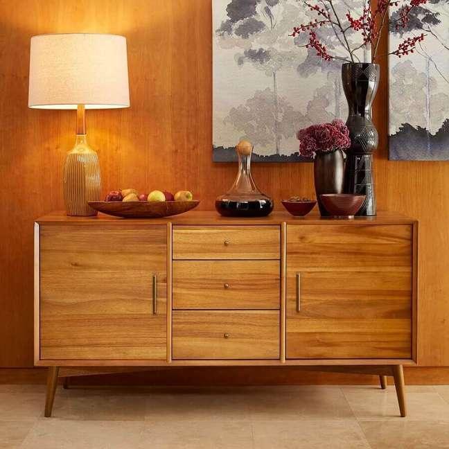 43. Objetos de decoração para buffet de madeira – Foto: west elm