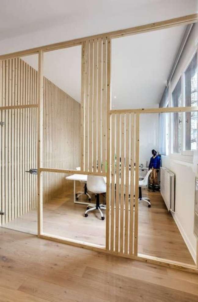 42. Divisória de madeira para escritorio moderno – Foto Projets Cotemaison