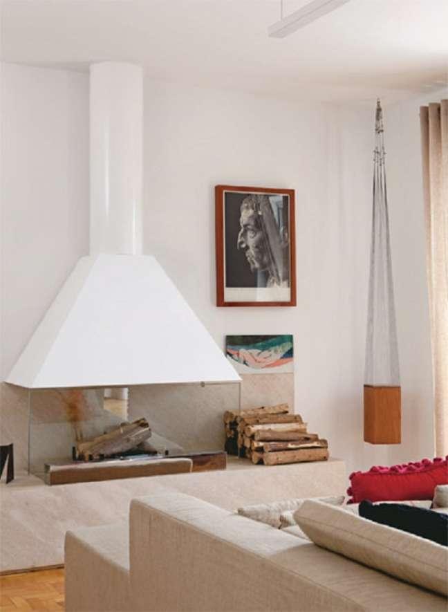31. lareira com chaminé branca – Foto casa das lareiras