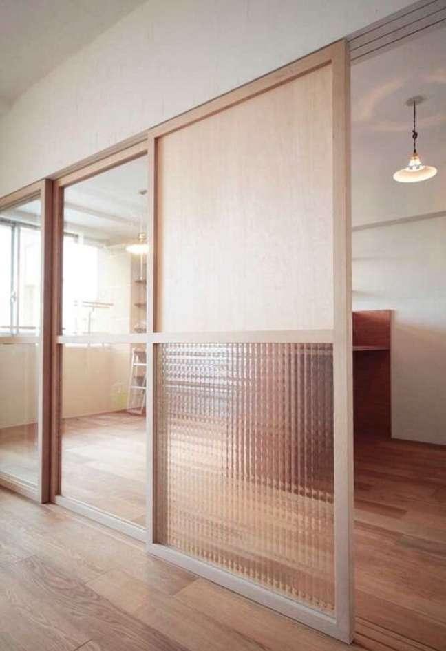 52. Divisórias para escritório de vidro e madeira são lindas – Foto Revista VD