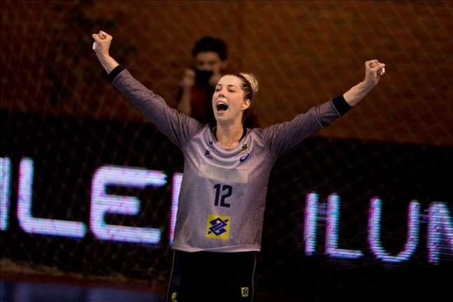 Bárbara Arenhart, capita da seleção brasileira feminina de handebol