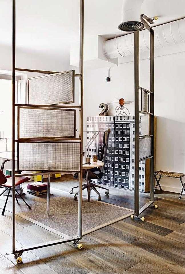 23. Divisórias para escritório pequeno – Foto Pinterest