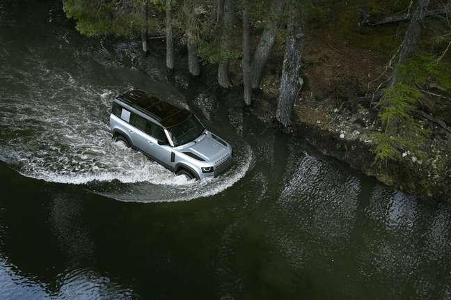 Land Rover Defender 2022 chega ao Brasil nas versões SE e HSE.