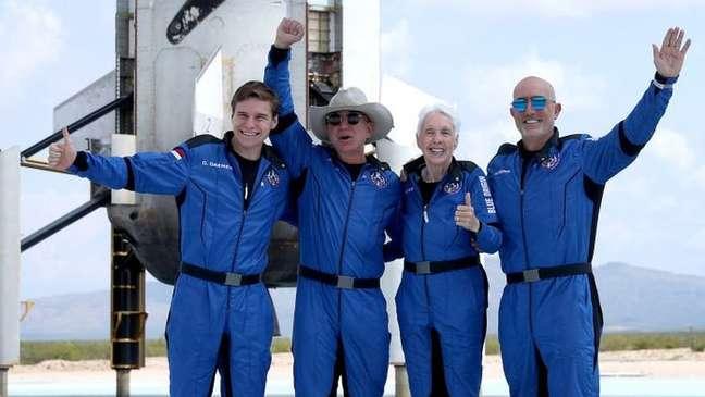Bezos e a equipe Blue Origin podem não se qualificar como astronautas