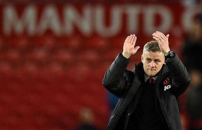 O técnico norueguês renovou seu vínculo com os Red Devils (Foto: AFP)