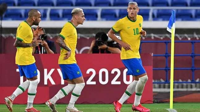 Brasil venceu a Alemanha por 4 a 2 na estreia dos Jogos Olímpicos (Foto: DANIEL LEAL-OLIVAS / AFP)