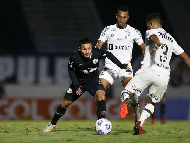 Artur soma oito participações em gol pelo Bragantino nesse Brasileirão. (Foto: Divulgação/Bragantino)