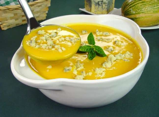 Guia da Cozinha - Receita de sopa-creme de abóbora com gorgonzola