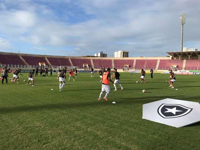 Botafogo antes do confronto contra o Confiança
