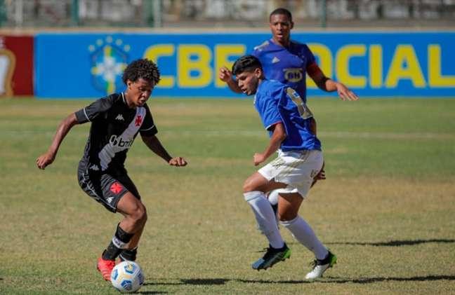 Primeiro jogo da semifinal do Campeonato Brasileiro sub-17 foi em Sete Lagoas (MG) (Foto: Fred/BHFOTO)