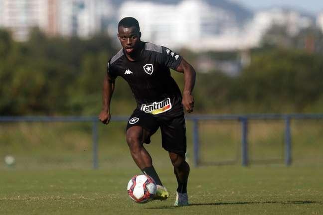 Kayque em ação pelo Botafogo (Foto: Vítor Silva/Botafogo)