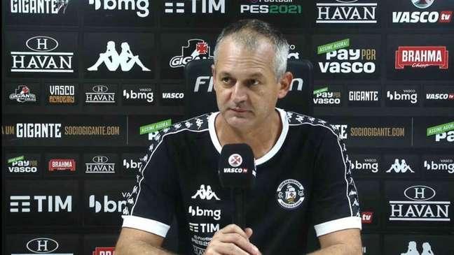 Lisca comandou uma das melhores atuações ofensivas do Vasco dos últimos tempos (Foto: Reprodução/Vasco TV)
