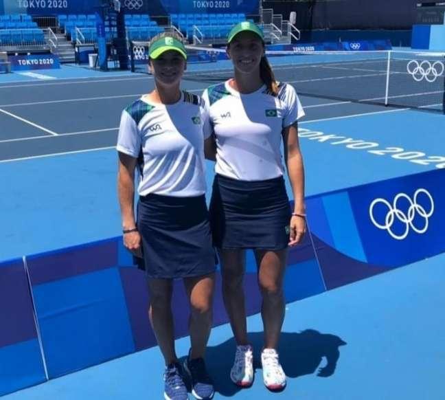 Luisa Stefani, 23ª do mundo, e sua parceira Laura Pigossi vão buscar vaga nas quartas de final de duplas dos Jogos Olímpicos de Tóquio Divulgação