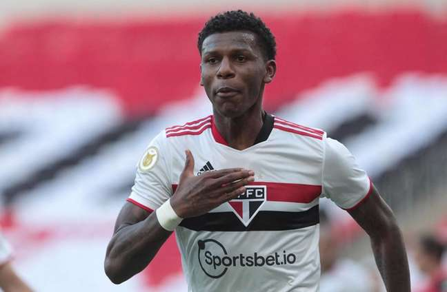 Arboleda lamentou falta de atenção do São Paulo contra o Flamengo (Foto: Rubens Chiri/saopaulofc.net)