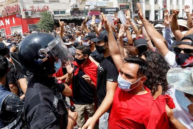 Protesto contra o governo em Túnis 25/07/2021 REUTERS/Zoubeir Souissi