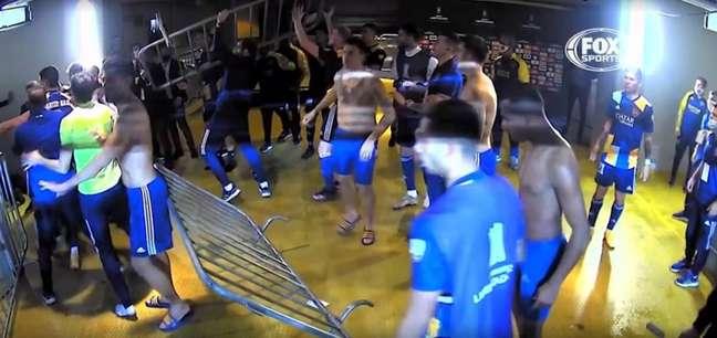 Boca cometeu atos de vandalismo após a eliminação na Libertadores (Imagem: Reprodução/Fox Sports)