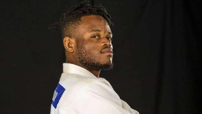 Vivendo no Brasil, judoca congolês Popole Misenga vai disputar a Olimpíada pela equipe de refugiados