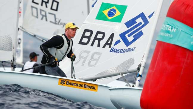 Robert Scheidt estreou na Olímpiada de Tóquio neste domingo (Divulgação)