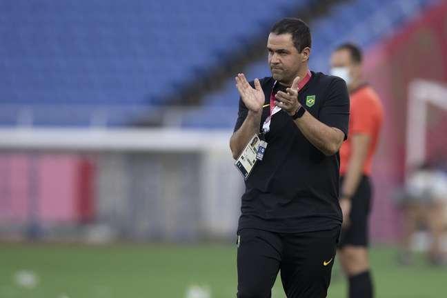 André Jardine comandou o empate do Brasil contra Costa do Marfim nos Jogos Olímpicos de Tóquio neste domingo Lucas Figueiredo/CBF