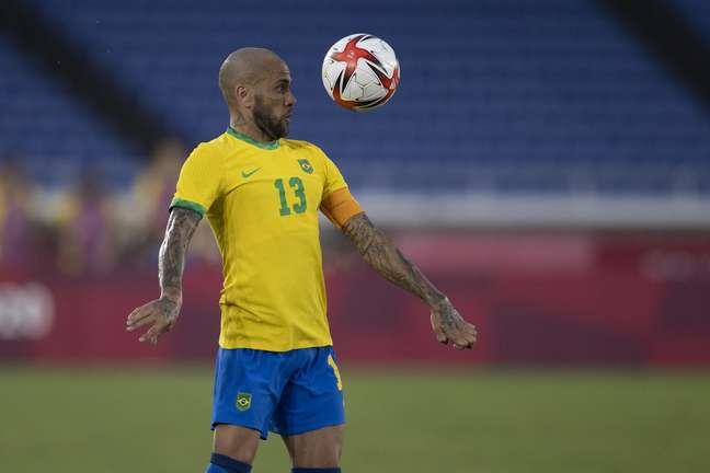 Daniel Alves no empate contra Costa do Marfim nos Jogos Olímpicos de Tóquio neste domingo Lucas Figueiredo/CBF