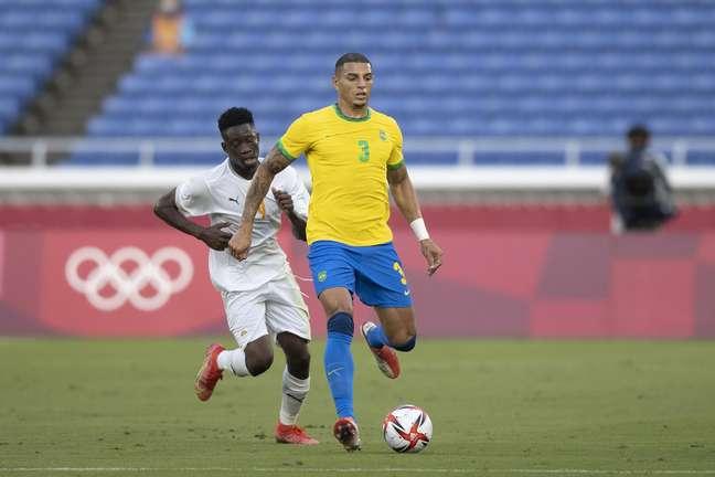 Diego Carlos no empate contra Costa do Marfim nos Jogos Olímpicos de Tóquio neste domingo Lucas Figueiredo/CBF