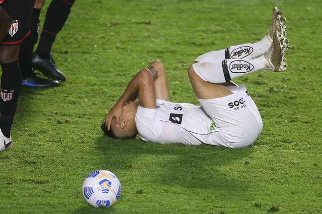 Kaio Jorge lamenta derrota do Santos para o Atletico-GO