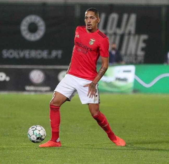 O lateral-direito Gilberto pode reforçar o Santos após negociação de Kaio Jorge (Foto: Divulgação)