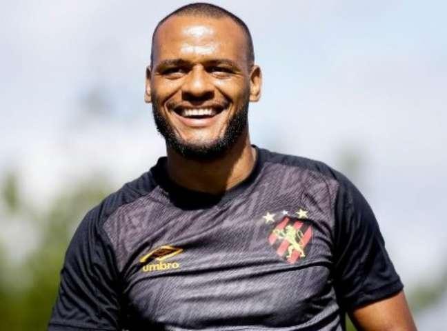 Patric está voltando ao futebol mineiro para defender o América-MG -(Divulgação/Sport)