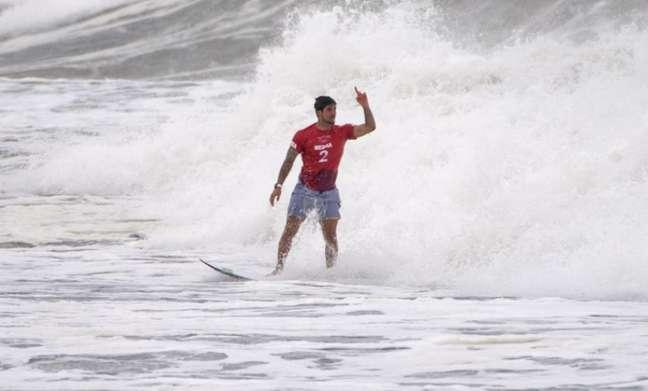 Bicampeão mundial do surfe, Medina avançou às semifinais nas Olimpíadas de Tóquio (Foto: Olivier MORIN / AFP)