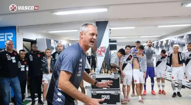 Lisca estreou com vitória no comando do Vasco; equipe goleou o Guarani por 4 a 1 (Reprodução/VascoTV)