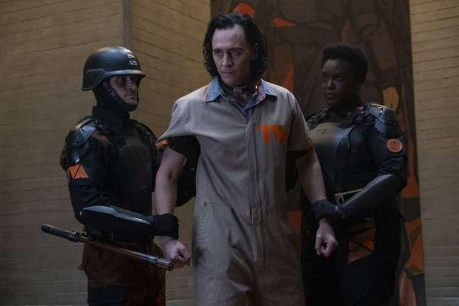 Tom Hiddleston em cena de 'Loki'