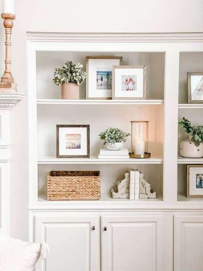 9. Invista em velas como objetos de decoração para sala – Foto: Jenny Reimold