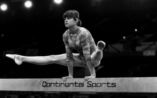 Uma das maiores atletas olímpicas da história, a ginasta romena Nadia Comaneci, tinha 14 anos quando ganhou suas primeiras medalhas