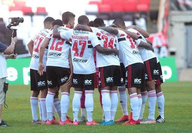 São Paulo sofreu com apagão da defesa em goleada sofrida para o Flamengo (Foto: Rubens Chiri/São Paulo FC)