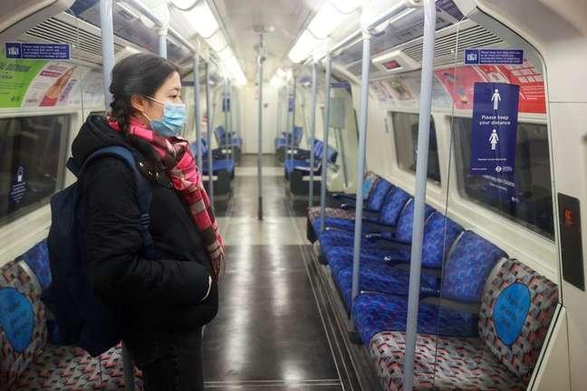 Metrô em Londres durante a pandemia de Covid-19 05/01/2021.  REUTERS/Hannah McKay