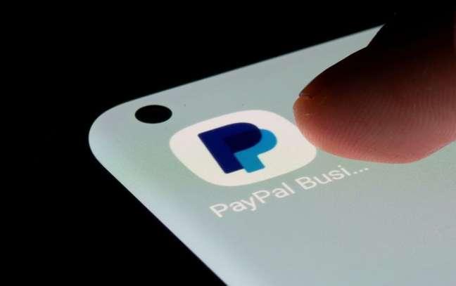 Ícone de aplicativo do PayPal em celular  13/07/2021 REUTERS/Dado Ruvic