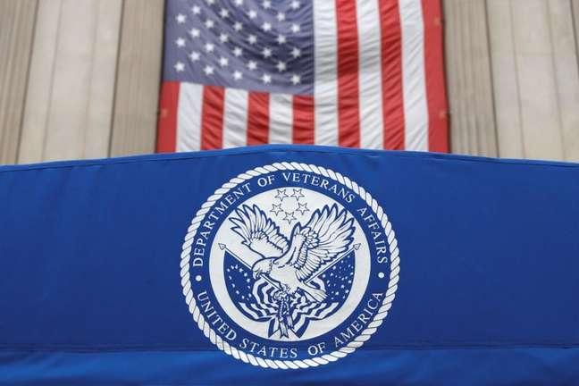 Emblema do Departamento de Assuntos de Veteranos dos Estados Unidos   31/8/2020   REUTERS/Andrew Kelly